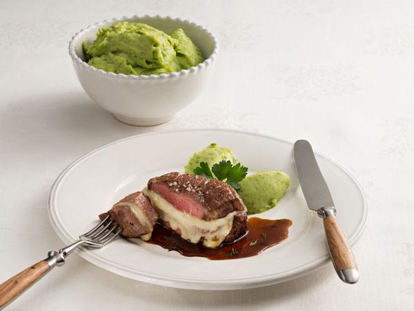 Stück Rind auf einem Teller