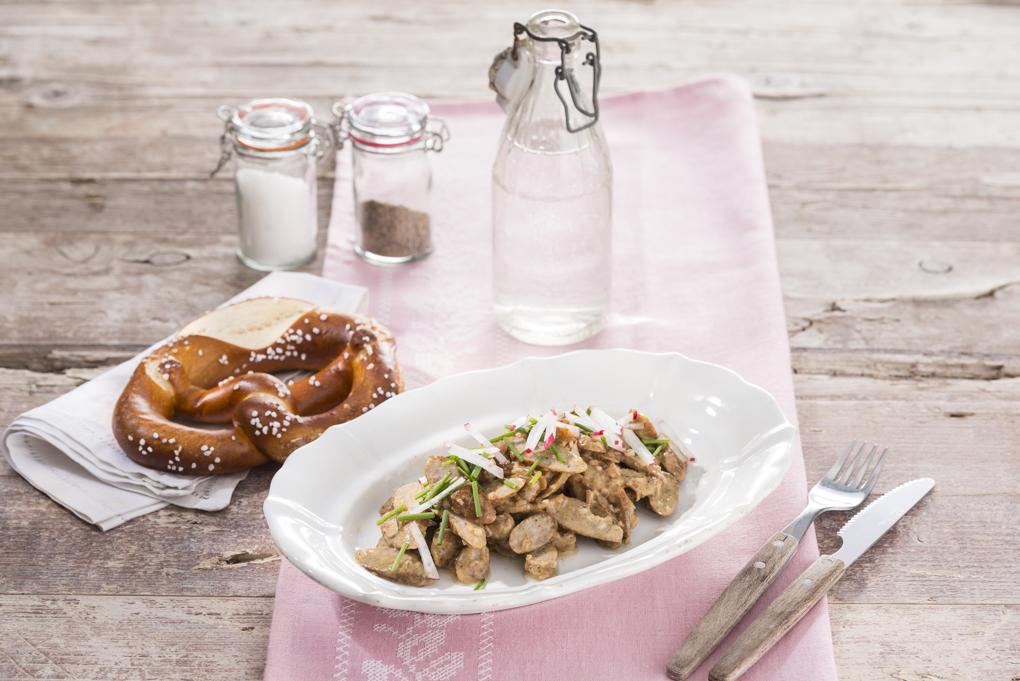 Teller Nürnberger Bratwurstsalat